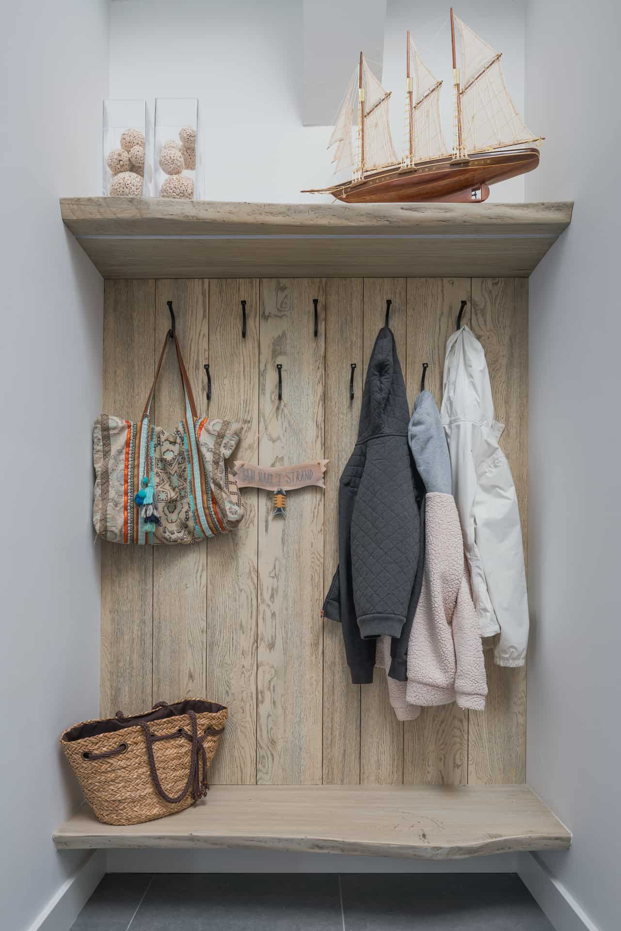 Garderobe kapstok hout